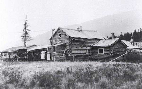 Black Rapids Roadhouse - circa 1930's