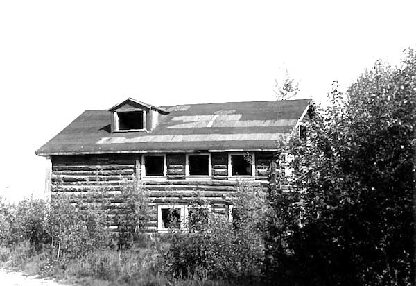 Rika's Landing - Rika's Roadhouse at Big Delta before the restoration as a museum.